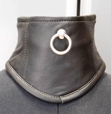 Halskorsett mit O-Ring