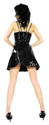 Kurzes Lack-Kleid