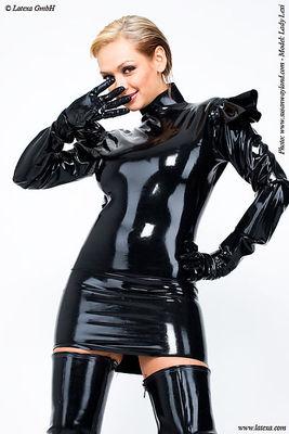 Kleid mit Schulterrüschen und  Latexhandschuhen Latexa 3049
