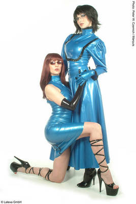 Langer Latex-Swingerrock Latexa 3074