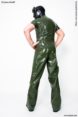 Latex-T-Shirt mit Metall - RV