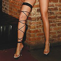 E.L. Twisted Leg Garter black
